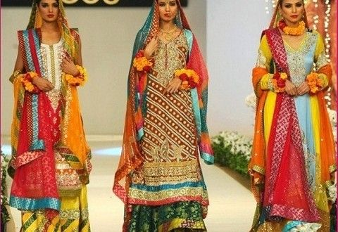 Pakistani Mehndi Dresses are very important in mehndi because it is very important function of a w...