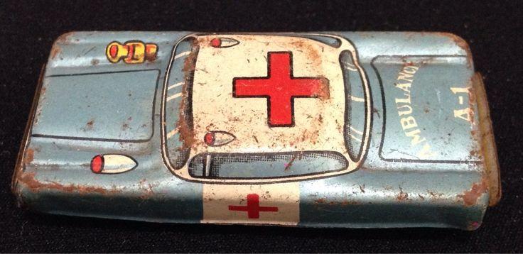 carrinho lata ambulância japonês brinquedo antigo 6x3cm