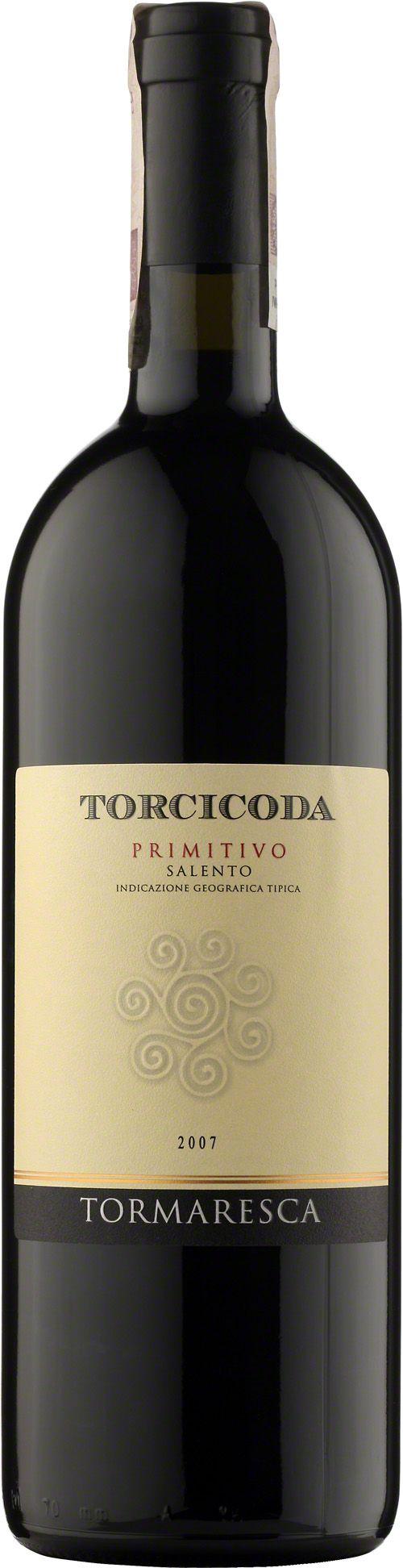 Tormaresca Torcicoda Primitivo Salento I.G.T. Kolor intensywnie czerwony. Aromat charakterystyczny dla szczepu primitivo, z którego zostało wyprodukowane oraz delikatny aromat suszonej śliwki. Bukiet obfitujący w czerwone owoce. Wine Spectator, the world's Wine Bible dla rocznika 2008 przyznał 61 pozycję/100. #Tormaresca #Torcicoda #Primitivo #Salento #Wlochy #Wino #Winezja