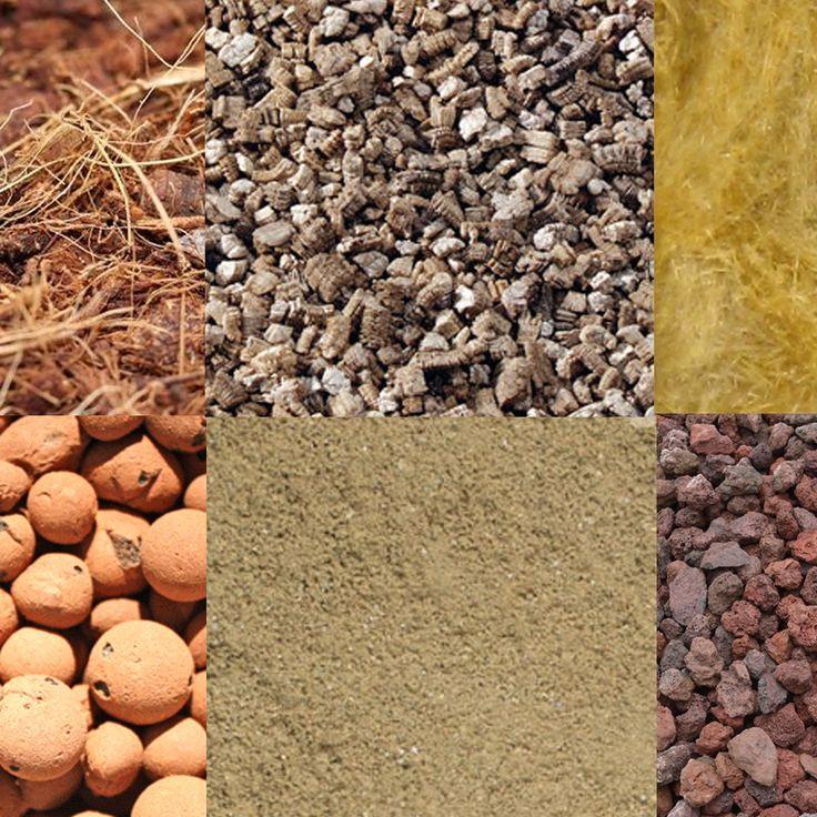 Le substrat qui convient pour la culture de la plupart des Cactées et des plantes succulentes est composé de 40% de terreau, 20% de sable, 20% de pierre ponce ou de pouzzolane de calibre 4/6 mm, 15% de terre de jardin et 5% de perlite. Pour les espèces les plus fragiles, on rajoute du sable, du granit (ou de la zéolithe) et de la perlite. Les espèces épiphytes demandent un mélange plus organique et plus grossier, intermédiaire entre un terreau pour plantes vertes et pour orchidées.