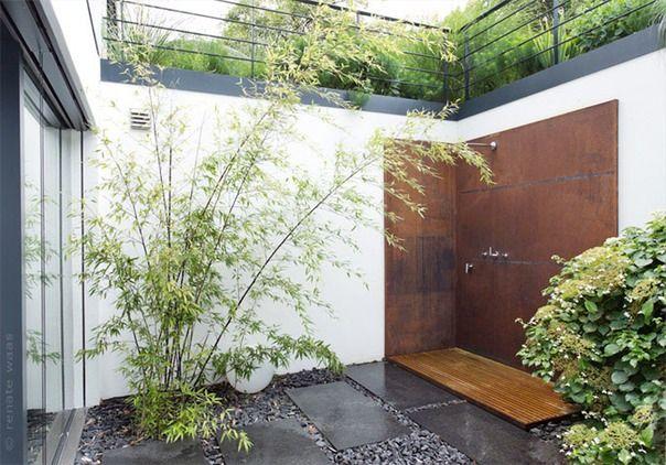 Garten_modern_Gartendusche_Cortenstahl_Gartenplanung-modern