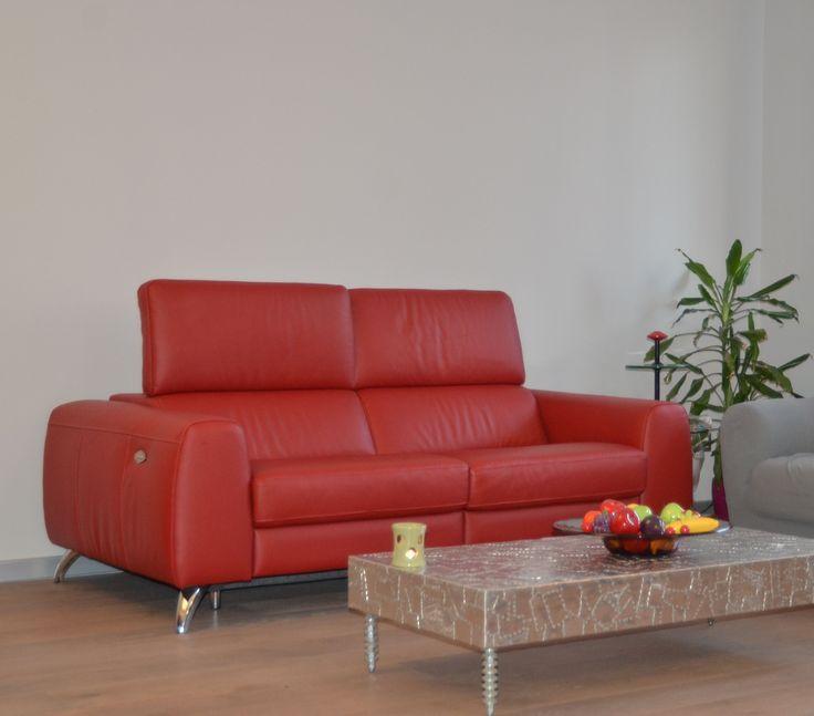 Oltre 20 migliori idee su Divano rosso su Pinterest  Divani rossi, Camere divano rosso e Divano ...