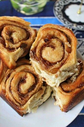 Hommymade raisin cinnamon sticky bun..