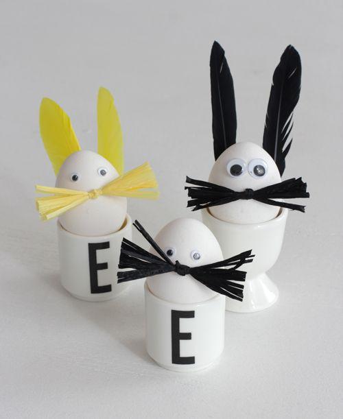 Eier in Osterhasen verwandeln. Top für Kinder und wer mag als kleines Familienportrait in der Tischdeko…