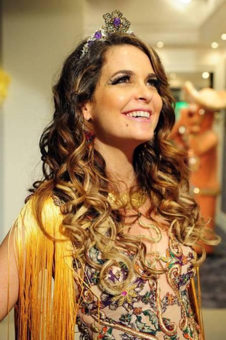 Claudia Abreu, a Chayene de 'Cheias de charme', diz que é boa patroa na vida real: 'Adoro minhas curicas!' - TV e Lazer - Extra Online