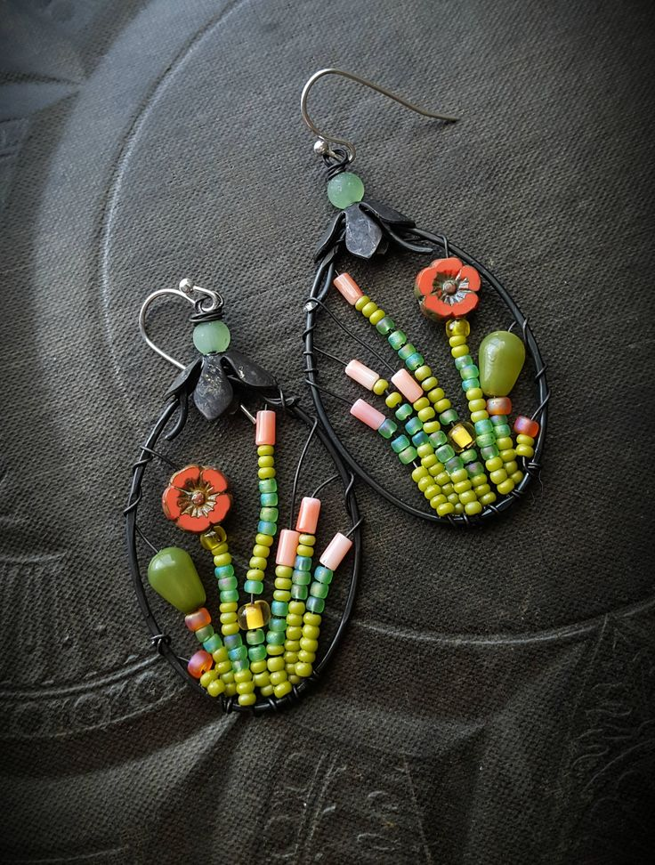 Best 25+ Beaded earrings ideas on Pinterest   DIY beaded ...