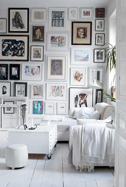 Gallery wallGallery Walls, Living Room, Photos Wall, Picture Walls, Gallerywall, Frames Wall, Pictures Wall, Art Wall, White Room