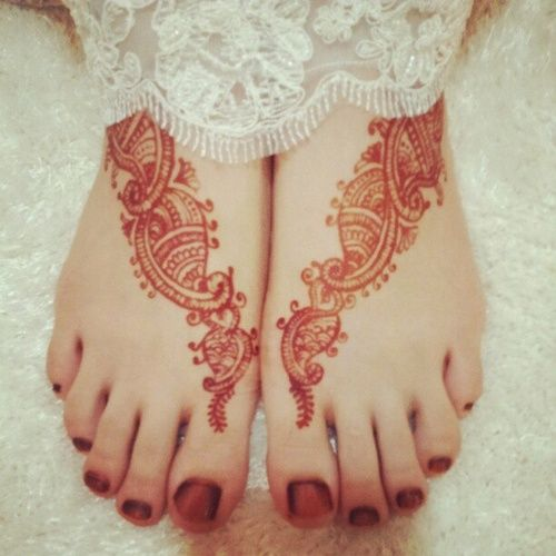 #Mehndi #henna #wedding #indian #red #white #nails