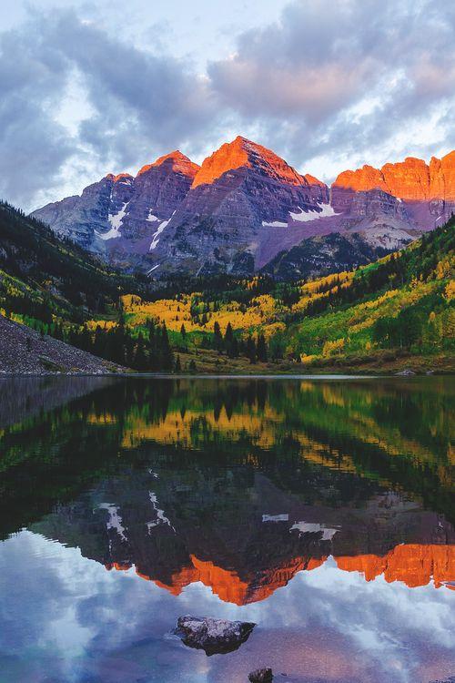 Maroon Bells, Colorado, USA  (by Mike Kvackay)