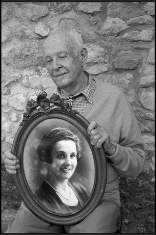 FRANCE—Henri Cartier-Bresson with a photograph of his mother, Marthe Leverdier, 2002.  © Martine Franck / Magnum Photos