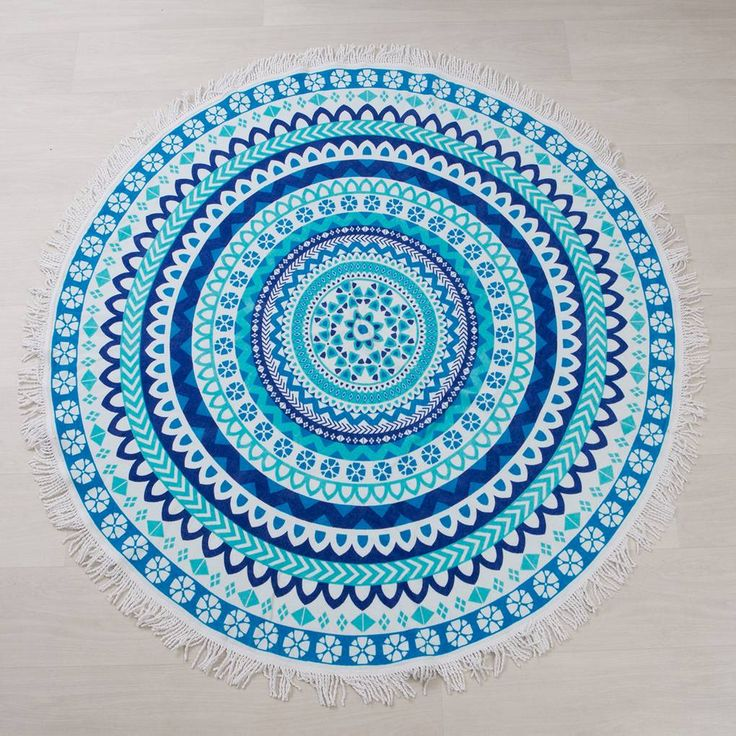 Chic and wonderfully bohemian, our Belize round beach towels are perfect for trips to the beach, picnics, or days spent by the pool.  Belize comes in two colours, and features a stunning, intricate pattern with white fringing.