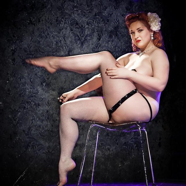 Burlesque Pin Up Girl Porn - Mina La Fleur