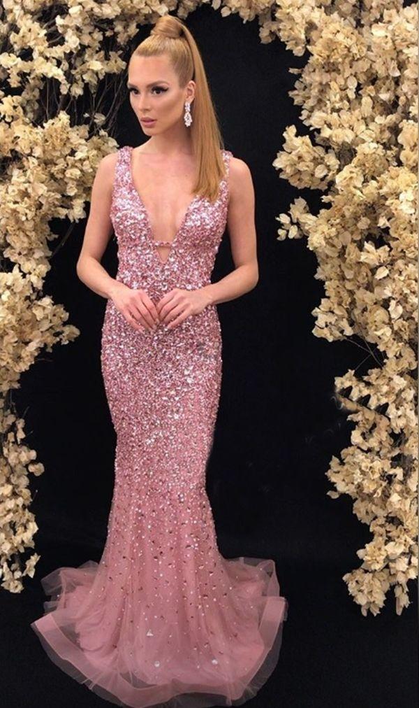 977fca1d5 Vestido longo rosa bordado cristais   Fashion Inspiration :3 ...