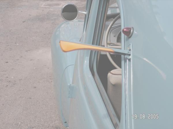 """ancien """"clignotant"""" de certaines voitures..."""