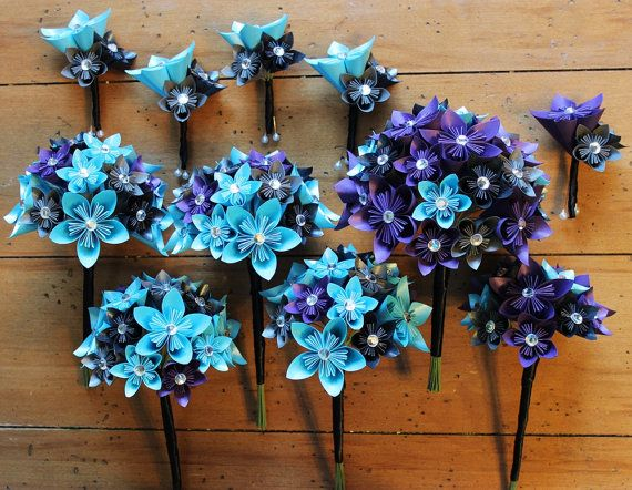 This listing is for a custom order wedding party set.    Order includes:  1 Bridal Bouquet (30 flowers)  4 Bridesmaids Bouquets (25 flowers)  1