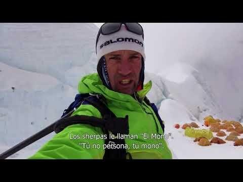 Kilian Jornet. Path to Everest Trailer subtitulado   Documental. Kilian Jornet el mejor corredor de montaña de la historia escribió cuando era niño una lista de todas las carreras que le gustaría ganar y todas las montañas que soñaba escalar. En mayo de 2017 tachó la última cima de la lista al completar un histórico doble ascenso al Everest solo sin oxígeno y de una sola tirada. Fue el colofón del proyecto Summits of My Life que durante cinco años le ha llevado a recorrer picos…