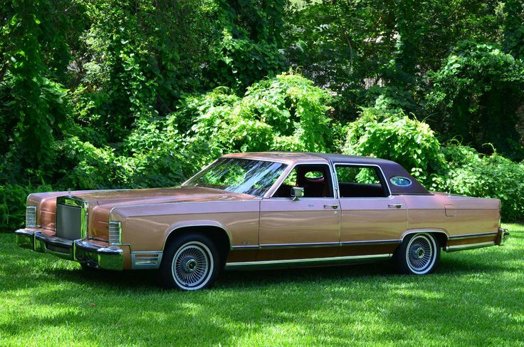 1978 Lincoln Town Car ( I still live these but at today's gas prices...)