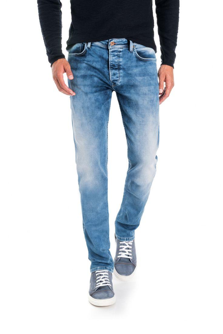 Nova coleção Primavera/Verão na Salsa. Jeans, casacos, camisolas, camisas, vestidos, tops, t-shirts, calçado e acessórios disponível em Salsa Jeans online.