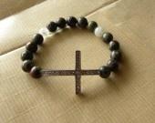 Croix chrétienne, perles sang de dragon