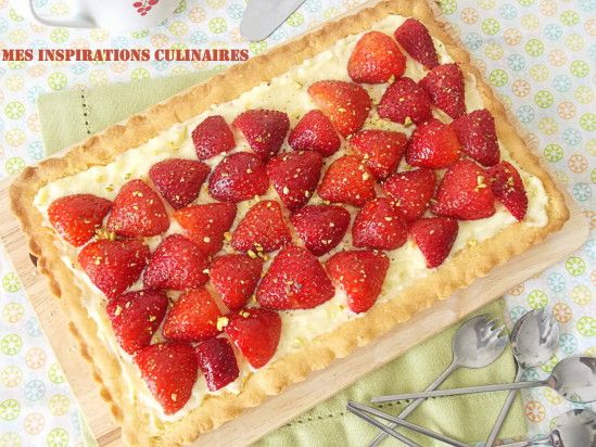 Tarte aux fraises Qui n'aime pas les fraises, mes filles en raffolent. Le printemps pointe enfi...