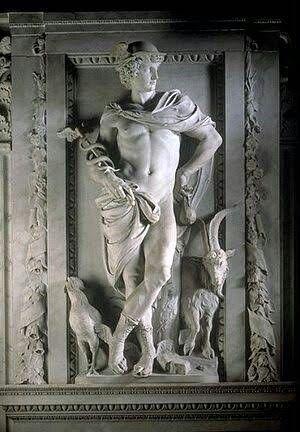 Deus Hermes -  Na mitologia grega, Hermes era o deus mensageiro, dos pesos e medidas, dos pastores, dos oradores, dos poetas, do atletismo, do comércio, das estradas e viagens e das invenções. Era considerado, na Grécia Antiga, o patrono dos diplomatas, dos comerciantes, da ginástica e dos astrônomos.   Hermes era filho de Zeus (deus dos deuses) e de Maia (uma das plêiades). A crença em Hermes espalhou-se por várias regiões da Grécia Antiga.