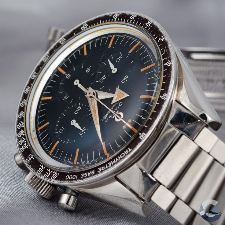 SpeedyTuesday with this beautiful and rare vintage Omega Speedmaster Broad Arrow Ref. 2915 from the upcomming Dr. Crott Auction