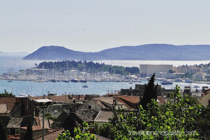 The harbor of #Split #croatia glimmers in the afternoon sun showing off its forest of pleasure boat masts yet it's also been a busy fishing & commercial port for 1700 years ever since native son #RomanEmperor Diocletian made it his retirement home in 305 AD. #summertesort #partycity #culturaltourism #culinarytourism #travelwriter #europe2017 #Balkans @unescoworldheritage @ifwtwa1