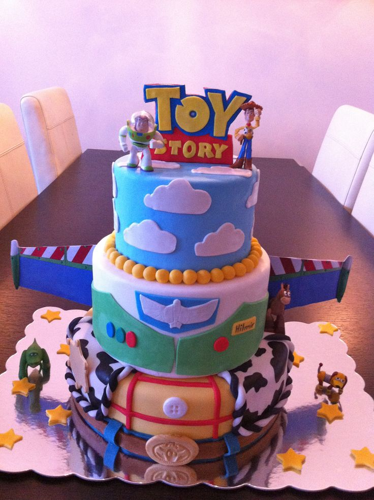 Birthday Cake Photos - This is a Toy Story cake I made for a Disney themed cake contest here in Iceland. Got the idea here from cakecentral from Yane, thank you so much for everything :)