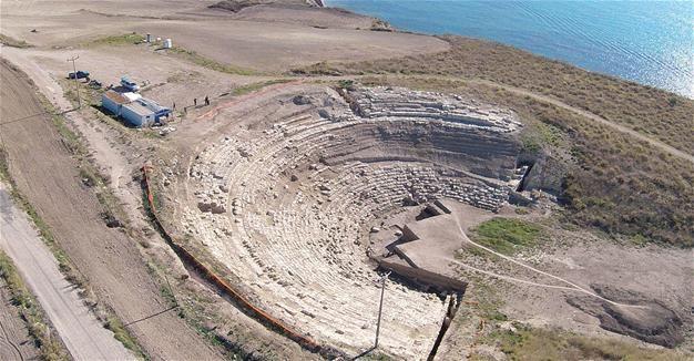 Le Nebbie del Tempo: Riemerge l'antico teatro di Magarsus, in Turchia