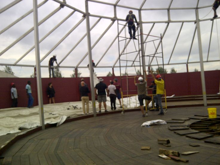And the roof goes up! Making progress :)