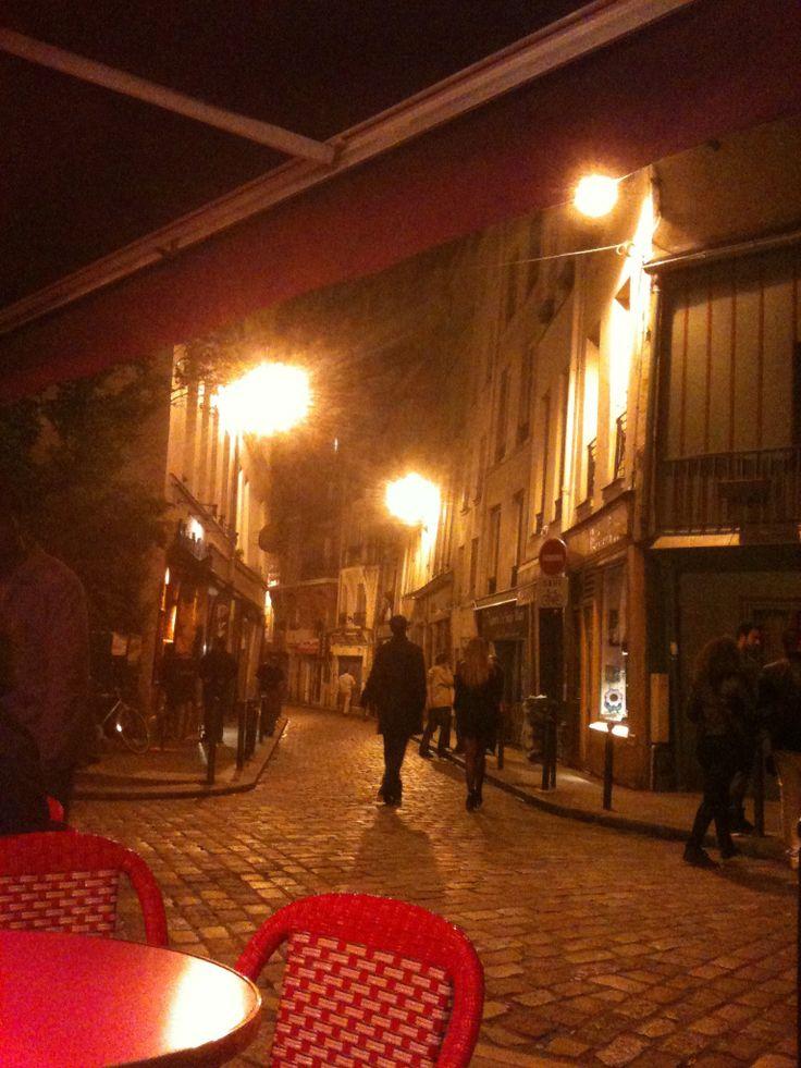 Outside http://www.lestroismailletz.fr in Paris, France  Jetaimeskippy.com.au thinks this is sublime! #travel #webdesigner #france #skippy #jetaimeskippy #iloveyouskippy