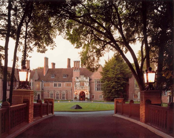 Meadow Brook Hall Is A National Historic Landmark For Being One Of The Finest Examples Of Tudor Revival Style Arch With Images Mansions Oakland University American Castles
