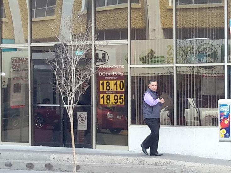 El dólar ya roza los 19 pesos; a 18.95 lo vendieron hoy bancos en esta capital | El Puntero