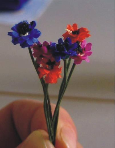 Miniature flower tutorials; LOTS   Need Google translate if you speak English :)   By Minicase.altervista.org  Case in Miniatura