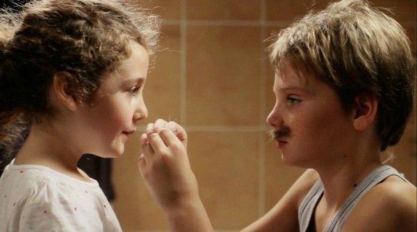 TOMBOY, 2011 - Dirigido por Céline Sciamma. Elenco: Zoé Héran, Malonn Lévana, Jeanne Disson, Sophie Cattani. Gênero Drama. País de origem: França.