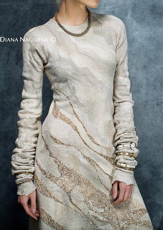 Gefilzte Kleid Kleid mit Ärmeln handmade ivory von DianaNagorna