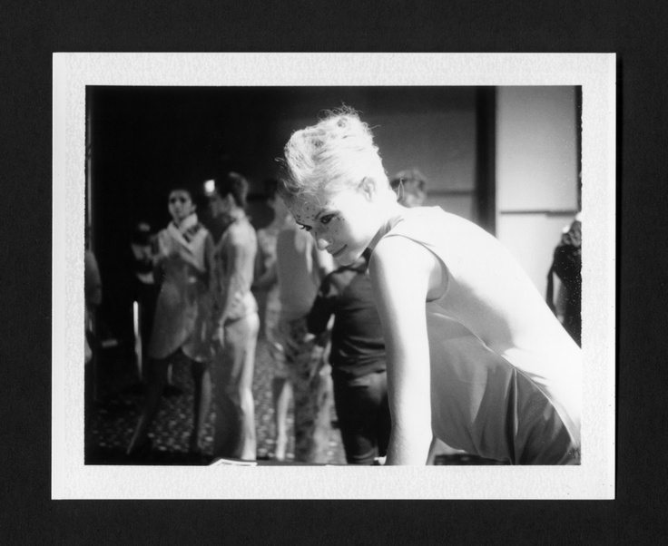 Kathy, backstage Isabel Henao