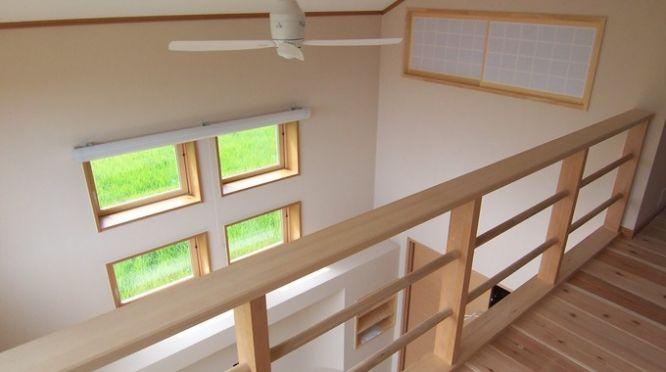 有限会社大地工務店「家族4人で色を塗ったこだわりの杉板の家」 自然素材の家を見る 100%自然素材主義