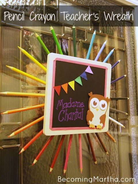 Pencil Crayon Wreath - create this simple gift with your child to give their teacher at the end of the year!