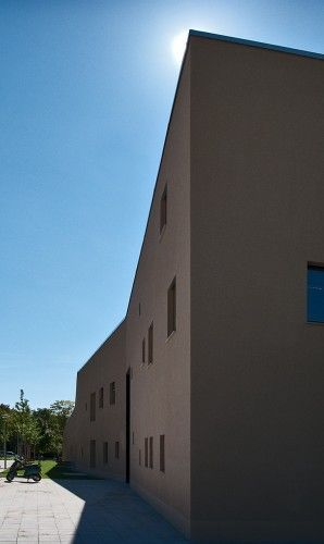 Day Care Center / LÜPS   ArchDaily