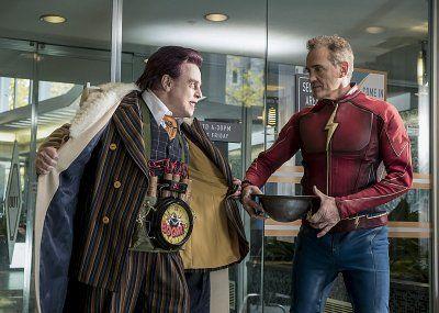Mark Hamill and John Wesley Shipp in The Flash (2014)°°