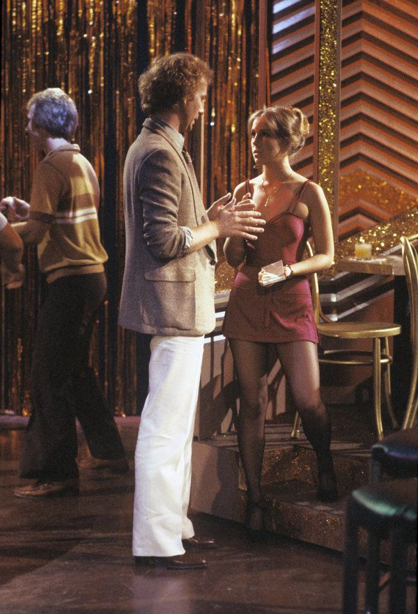 8/23/79 Laura works for Luke at his disco club.