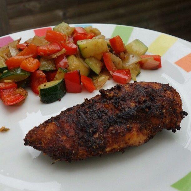 A la maison, je suis la seule a être vraiment fan du poulet. Mon chéri trouve que c'est souvent fade (même un bon poulet jaune des Landes !!) alors, pour lui prouver qu'on pouvait mange…