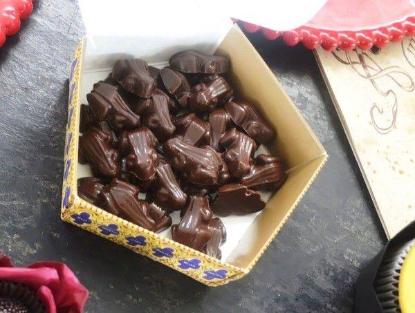 Chocolates de sapos - tem à venda o molde na Amazon