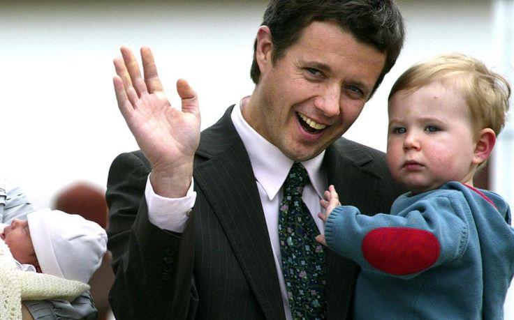 Ο διάδοχος της Δανίας, πρίγκιπας Φρειδερίκος, έγινε πατέρας σε σχετικά μεγάλη ηλικία.