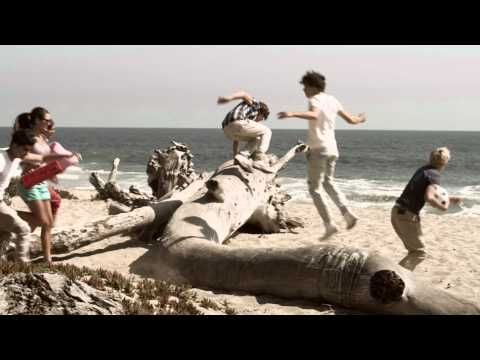 "One Direction- ""What Makes You Beautiful"""