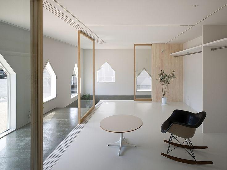 House in Jigozen by Suppose Design Office
