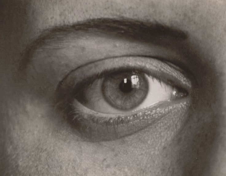 August Sander. Das rechte Auge meiner Tochter Sigrid (The Right Eye of My Daughter Sigrid). 1928. Gelatin silver print, 17.9 x 22.9 cm. The Museum of Modern Art, New York. Gift of the photographer © 2012 Artists Rights Society (ARS), New York / VG Bild-Kunst, Bonn.: