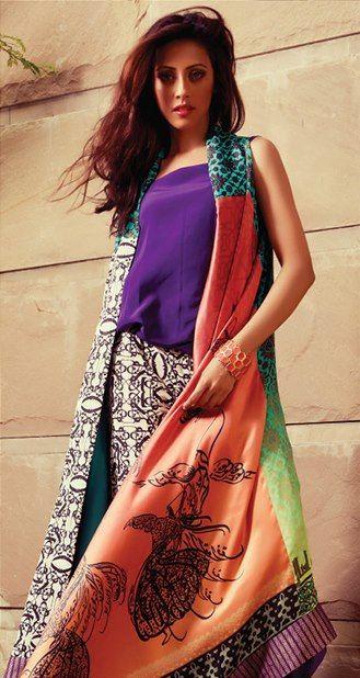 Ainy Jaffri in Sania Maskatiya - that sleeveless kimono is killing us.
