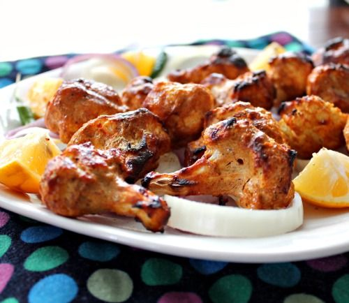 Tandoori Gobhi(Cauliflower)!Cauliflower bites marinated in Tandoori spices and broiled!So yum!  http://www.sonisfood.com/2013/02/tandoori-gobhi-cauliflower.html